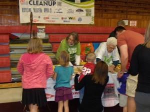 KLBB Volunteer Linda and Adeline